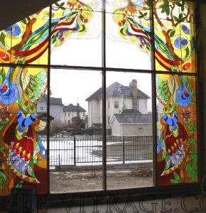 Окна с элементами витража