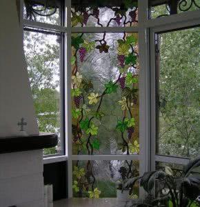 Витражи в пластиковых окнах